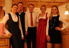 Wellnessurlaub im Wellnesshotel in Südtirol in den Dolomiten - Familie Mairhofer heißt Sie herzlich Willkommen und zeigt Ihnen die Dolomiten im Pustertal von der schönsten Seite. Die Familie hat Ihre Leidenschaft zum Beruf gemacht und möchte Sie teilhaben lassen an unserer Südtiroler Kultur und Lebensweise, führen Sie an durch die Dolomiten und zeigen Ihnen die Lebensart im Hochpustertal. Ein Wellnesshotel wellches Ihren Urlaub zu etwas besonderem macht!