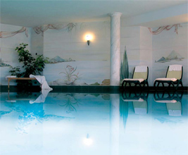 Arte nelle piscina nell' Hotel benessere nell' Trentino Alto Adige